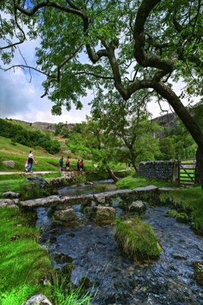Malham cove stream Wallpaper mural