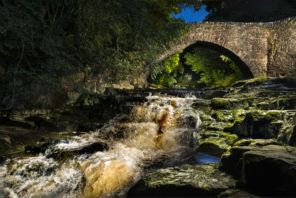 West Burton Packhorse Bridge Wallpaper mural