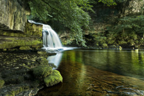 West Burton Waterfall Wallpaper mural